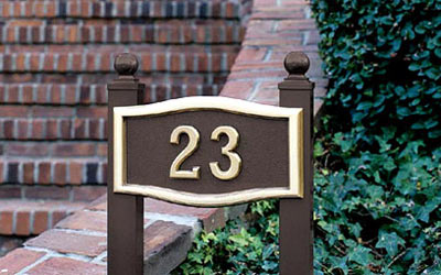 Small Roundtangle Address Plaque with Lawn Plaque Kit Product Image